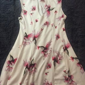 Flowery print dress from DEBSSHOPS /with tag